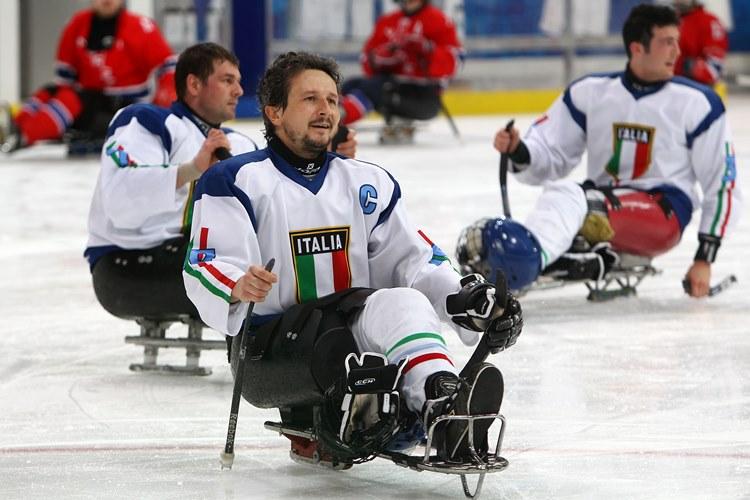 È scomparso Andrea Chiarotti. Ha scritto la storia del Para Ice Hockey azzurro.